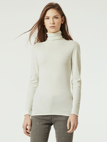 Stretch turtleneck sweater