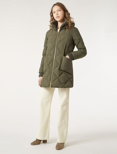 Duffle down jacket in technical fabric