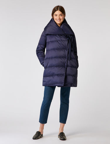 Down jacket, maxi-collar and ribbons