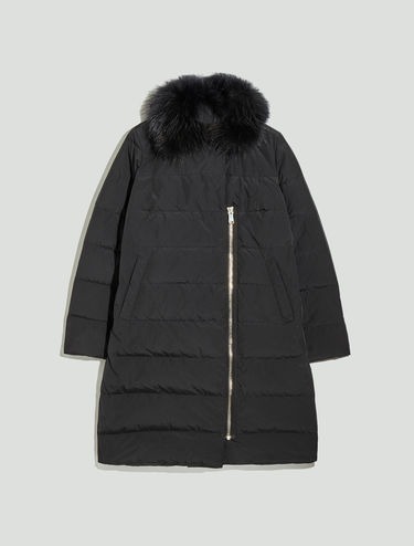 Soft egg-shaped down jacket