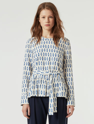 Flowing blouse with flounce
