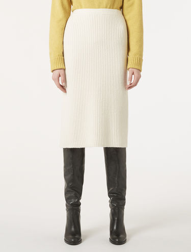 Stretch bouclé knit skirt