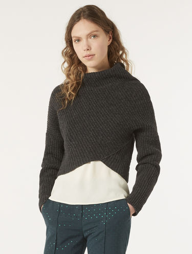 Ribbed sweater with drape
