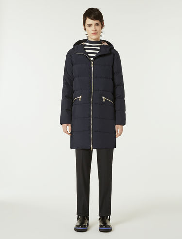 Down coat with contrasting lining