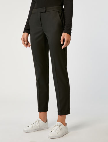 Pantalón corte slim stretch