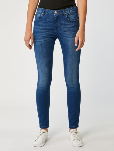 Skinny-Jeans in Vintage-Optik