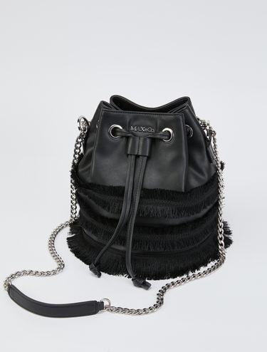 Bucket Bag mit Fransenverzierung und Tragekette