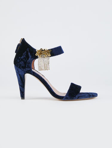 Velvet sandals with rhinestone clip