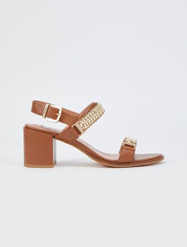 Sandali tacco midi con catene