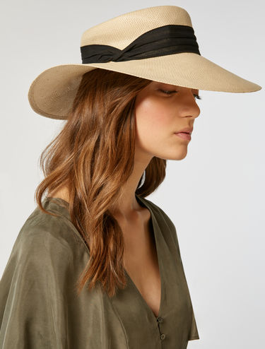Wide-brimmed straw hat