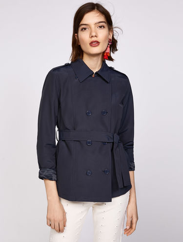 Short peacoat with belt