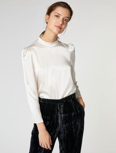 Bluse aus elastischem Seidensatin