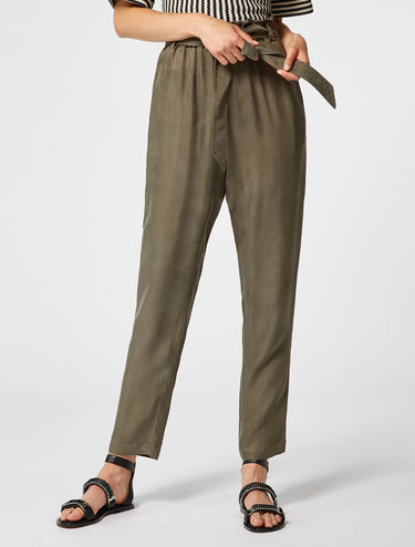Soft twill peg trousers