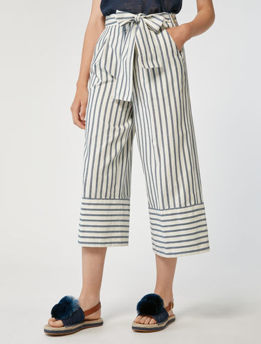 Wide-fit pure cotton trousers