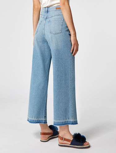 Extra-wide fit faded jeans