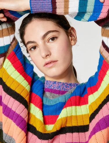 Mehrfarbig gestreifter Pullover