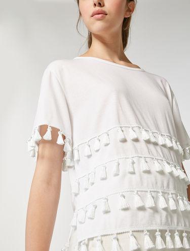 T-Shirt aus Baumwolle mit Quasten