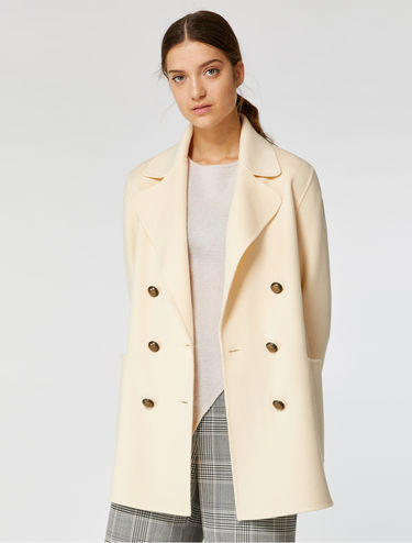 Doubled-breasted pea coat