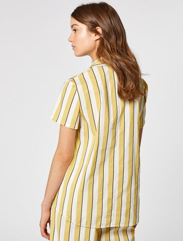 Short-sleeved shirt in comfort cotton