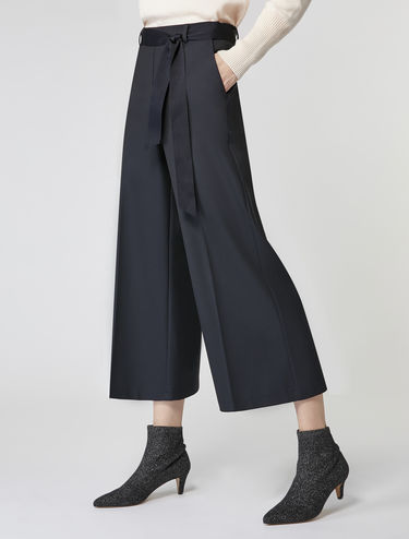 Wide-leg stretch trousers