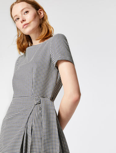 Kilt-style dress in houndstooth