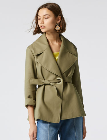 Pea coat with side fastening
