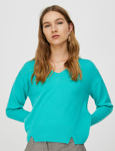 V-neck wool-cashmere sweater