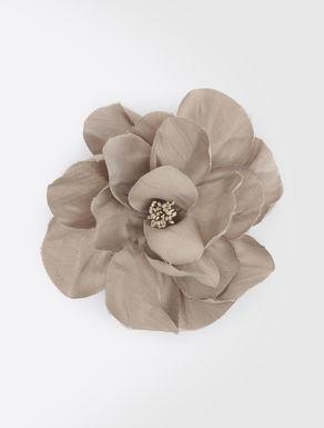 Broche en forma de flor