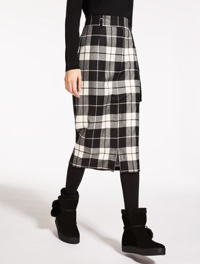 Patterned wool skirt