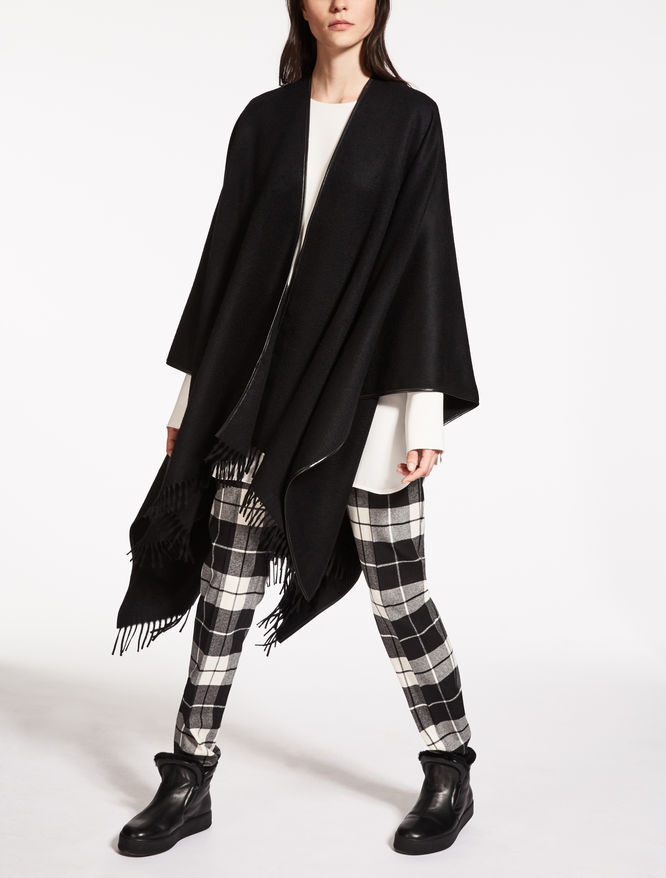 Pure cashmere cape