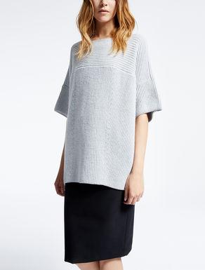 Pure wool yarn sweater