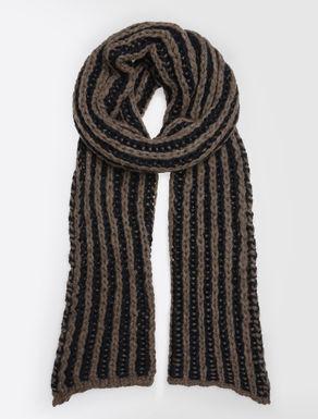 Alpaca yarn scarf