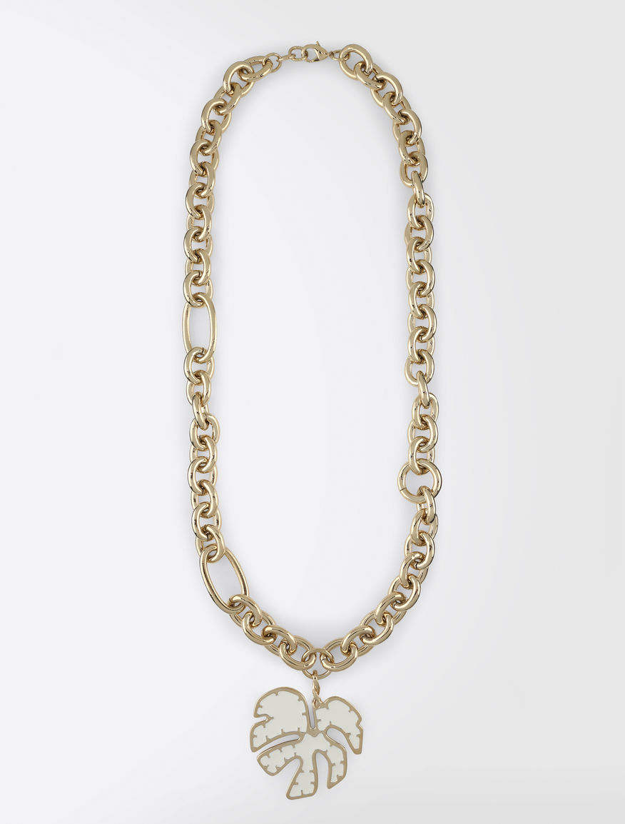 Metal necklace with pendant
