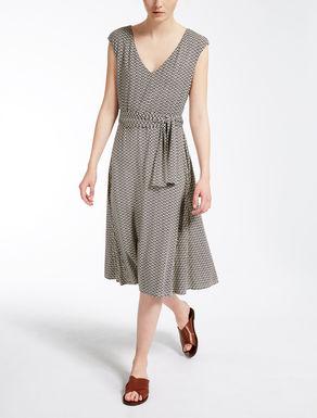 ストレッチ ジャージードレス