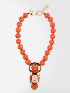 Halskette aus Kunstharz mit Anhänger