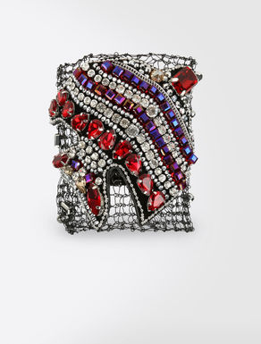 Cuff with stones
