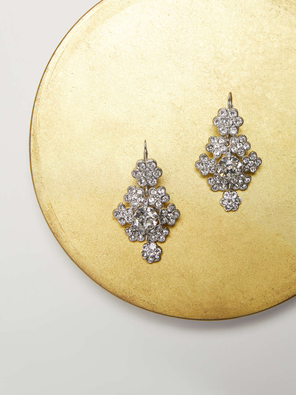 Rhinestone flower-shaped earrings