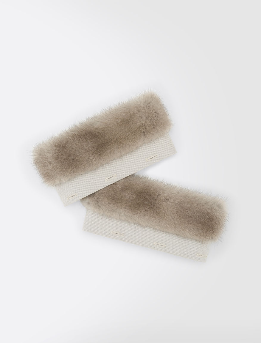 Cuffs in mink fur