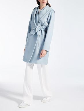 Albino camel coat