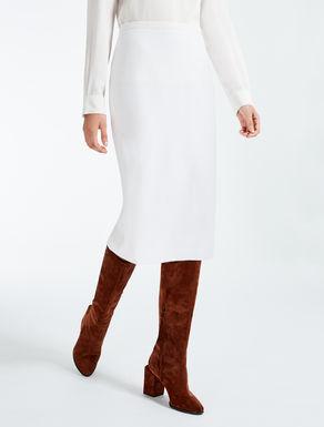 Falda de pura lana