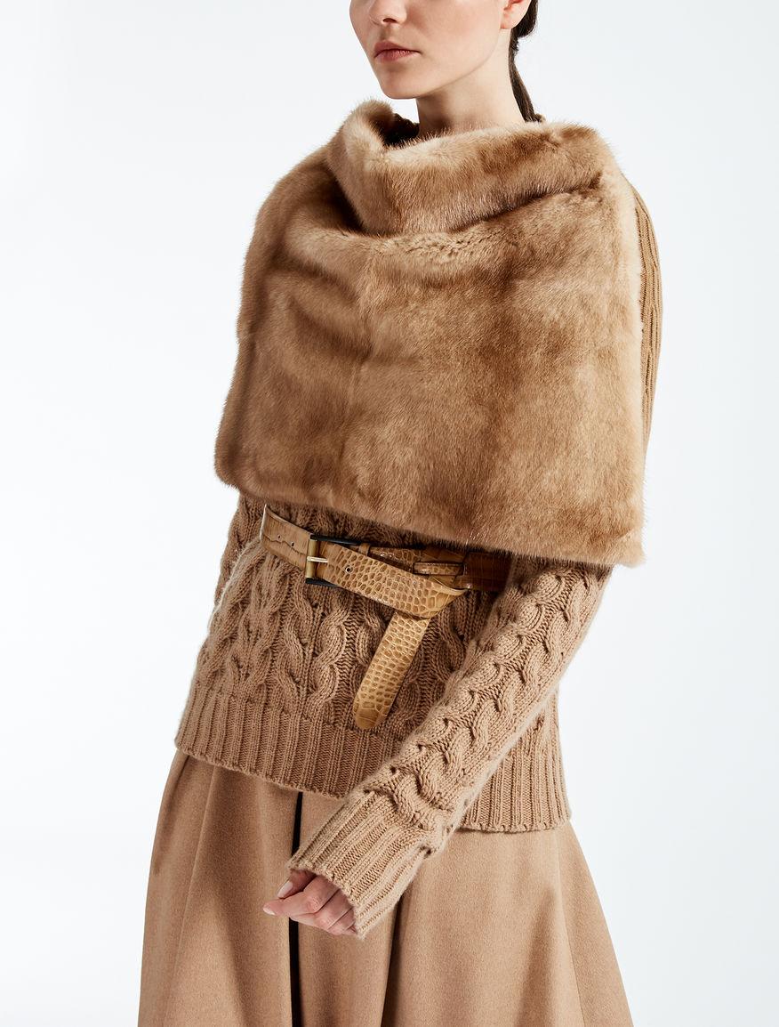 Boléro en vison et laine