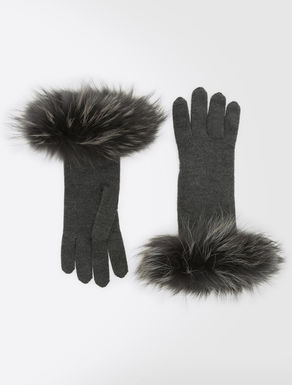 Wool and fur gloves
