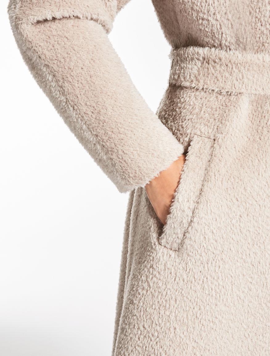 alpaca and wool coat turtledove dea max mara. Black Bedroom Furniture Sets. Home Design Ideas