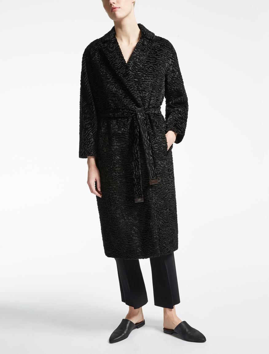 Manteau en tissu effet astrakan