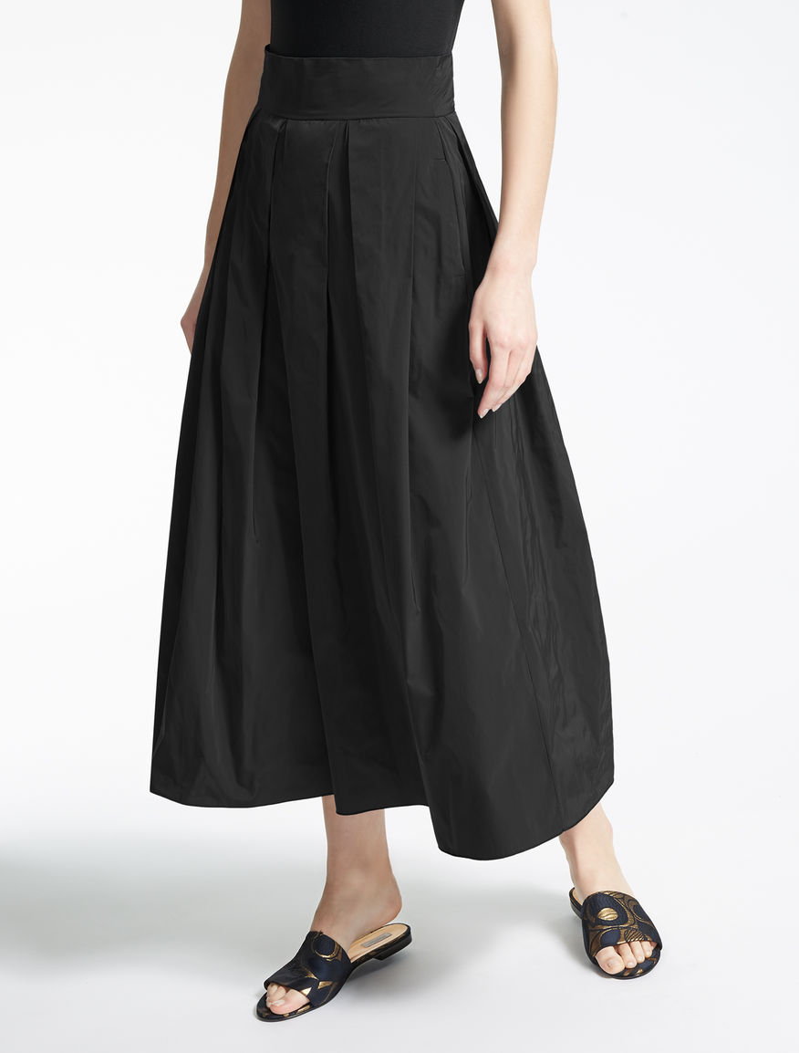 Skirt in technical fabric
