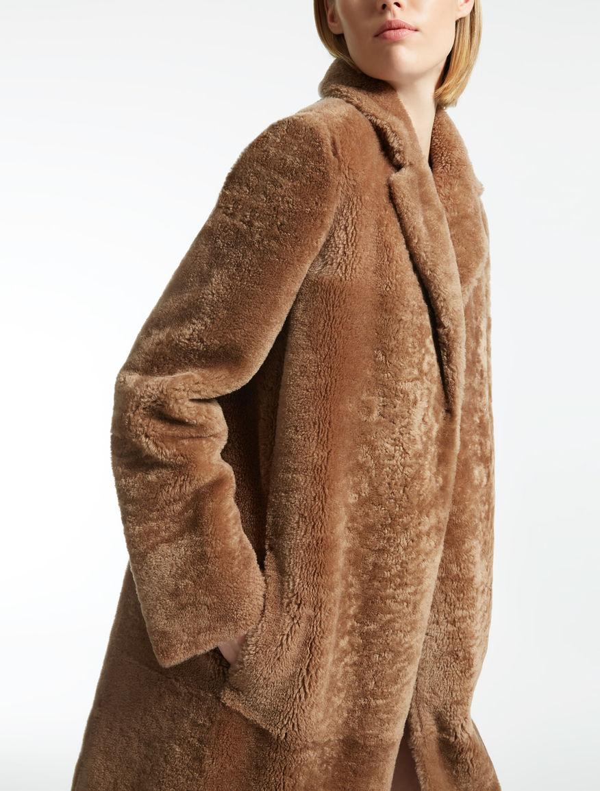 sheepskin coat camel veggia max mara. Black Bedroom Furniture Sets. Home Design Ideas