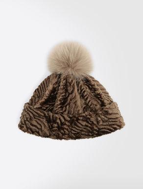 Astrakhan-effect hat