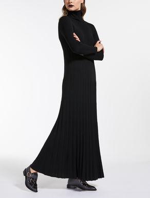 Wool yarn dress