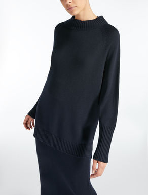Wool yarn jumper