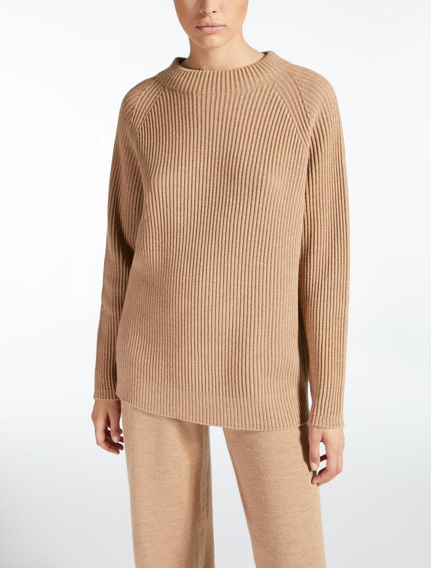 울 스웨터